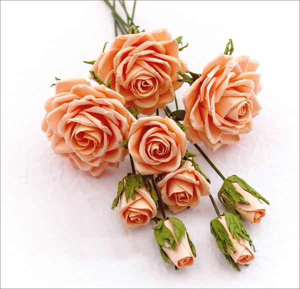 Hướng dẫn làm hoa hồng giấy đơn giản mà đẹp mắt 16