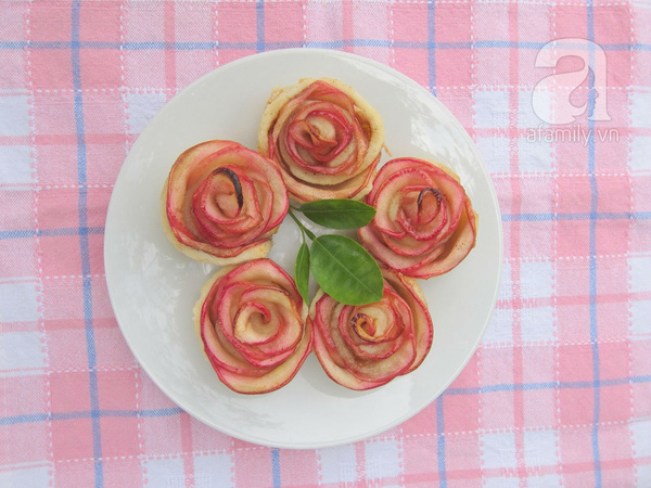 Valentine lãng mạn với tart hoa hồng đẹp mắt 1