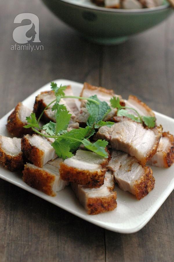 Không cần lò nướng, làm thịt heo quay giòn bì siêu ngon! 1