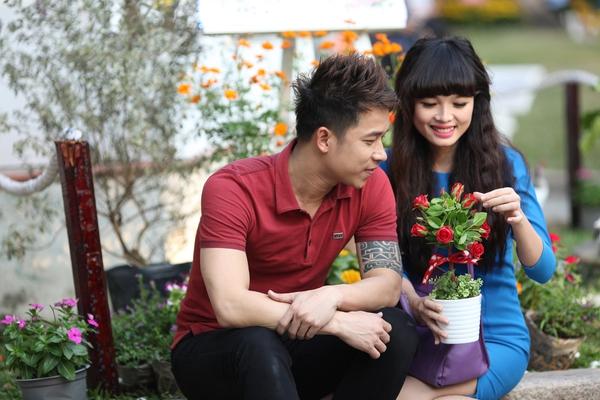Lê Hoàng (The Men) lầm đầu tiết lộ bạn gái hot girl 12