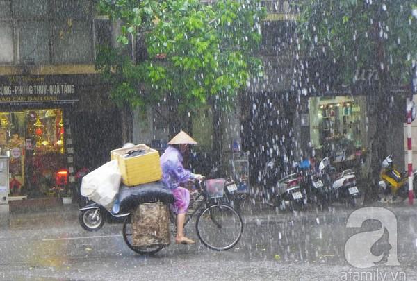 Hà Nội ngập nặng sau trận mưa trắng trời 3