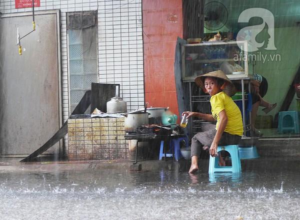 Hà Nội ngập nặng sau trận mưa trắng trời 4