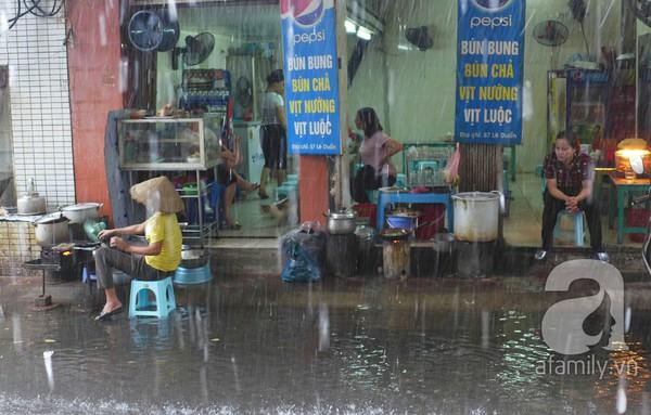 Hà Nội ngập nặng sau trận mưa trắng trời 5