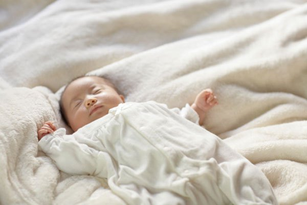 Giải đáp 10 dấu hiệu của trẻ sơ sinh khiến bạn lo lắng 4