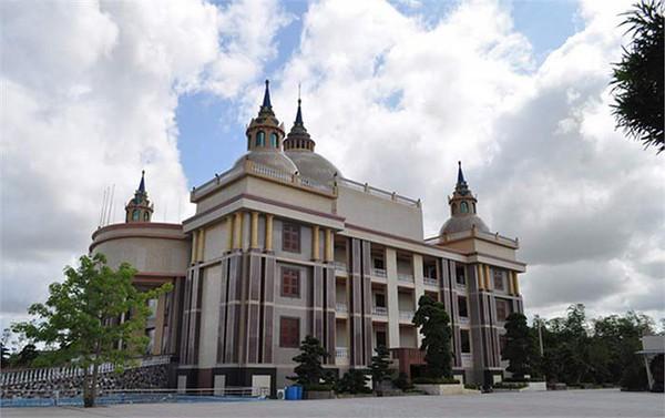 Ngắm những dinh thự hoành tráng của đại gia Việt 10