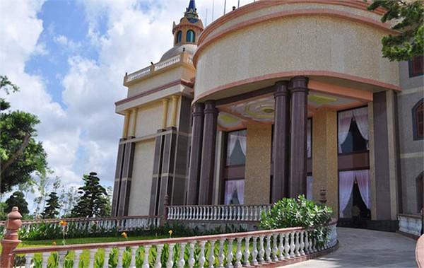 Ngắm những dinh thự hoành tráng của đại gia Việt 12