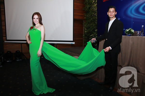 Bạn nhảy tình cảm nâng váy cho Angela Phương Trinh 4