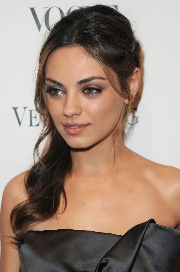 Mila Kunis tiếp tục là