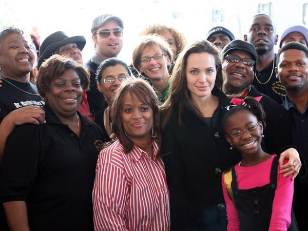 Angelina Jolie - Biến cố cuộc đời đến những quyết định vĩ đại 3