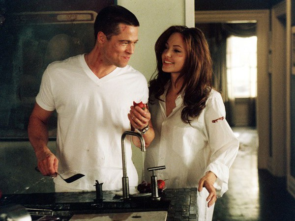 Angelina Jolie - Biến cố cuộc đời đến những quyết định vĩ đại 1