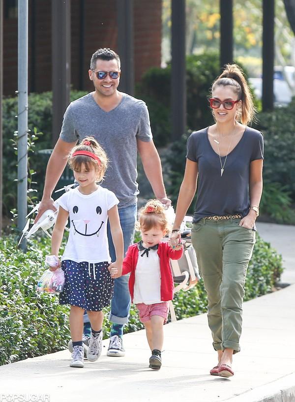 Ngắm gia đình tràn ngập hạnh phúc của Jessica Alba 2