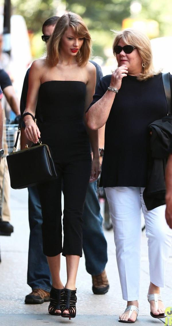 Gia đình Taylor Swift gây chú ý với chiều cao vượt trội  4