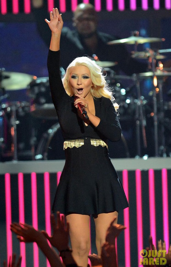 Taylor Swift xinh đẹp đại thắng giải Billboard 2013 9