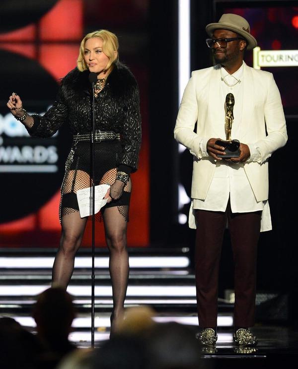 Taylor Swift xinh đẹp đại thắng giải Billboard 2013 18