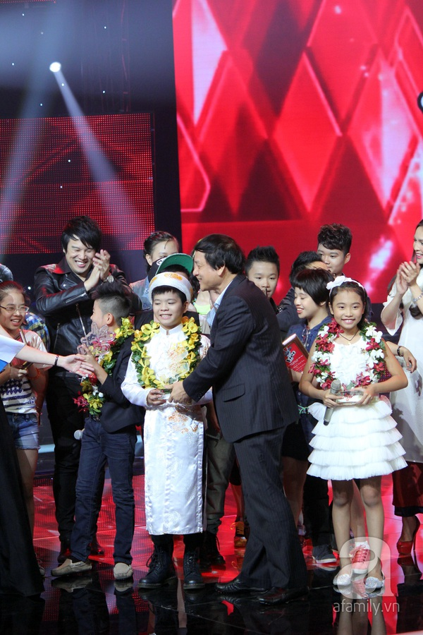 Nguyễn Quang Anh đăng quang Quán quân The Voice Kids 2013 1