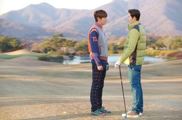 Park Shin Hye tựa đầu tình tứ trên vai Lee Min Ho 10