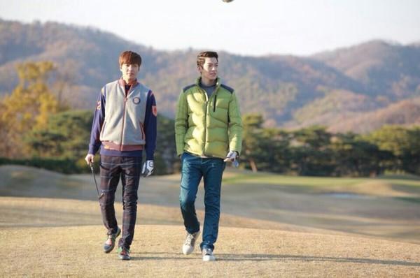 Park Shin Hye tựa đầu tình tứ trên vai Lee Min Ho 6