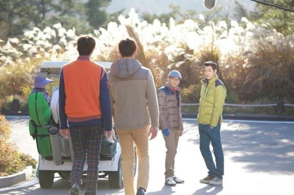 Park Shin Hye tựa đầu tình tứ trên vai Lee Min Ho 12