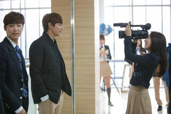 """""""Anh em"""" Lee Min Ho thân thiết trên phim trường """"The Heirs"""" 3"""