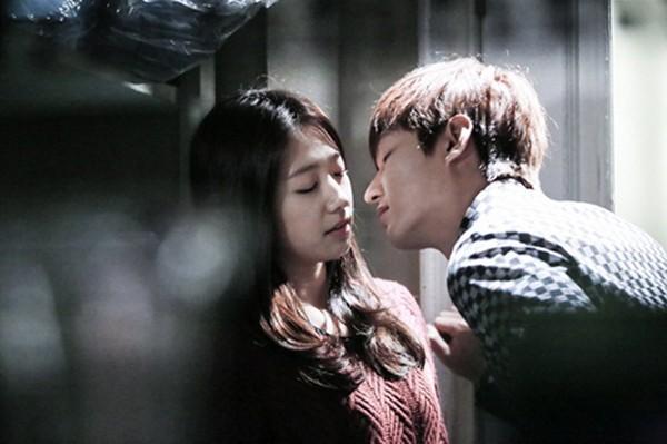 """""""Anh em"""" Lee Min Ho thân thiết trên phim trường """"The Heirs"""" 12"""