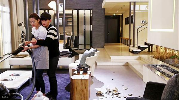 Kim Soo Hyun bất ngờ hôn Jun Ji Hyun đắm đuối 1