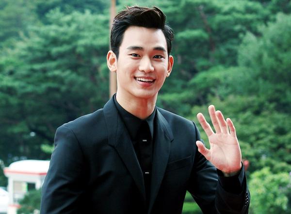 Kim Soo Hyun rục rịch trở lại màn ảnh sau