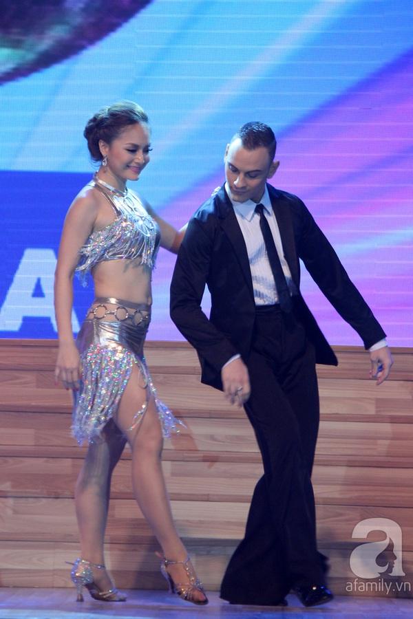 Ngọc Quyên chia tay Bước nhảy hoàn vũ trước thềm chung kết 14