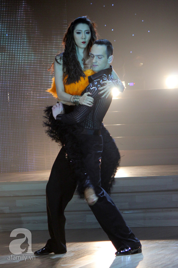 Ngọc Quyên chia tay Bước nhảy hoàn vũ trước thềm chung kết 12