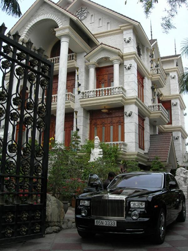 Ngắm những dinh thự hoành tráng của đại gia Việt 28