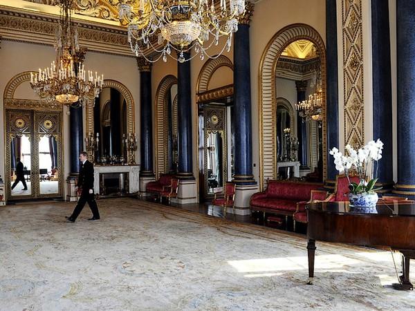 Ngắm cung điện xa hoa của Hoàng tử nhí nước Anh 13
