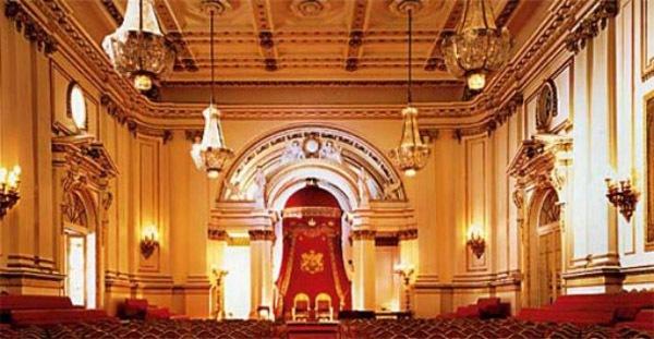Ngắm cung điện xa hoa của Hoàng tử nhí nước Anh 8
