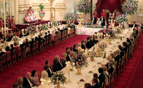 Ngắm cung điện xa hoa của Hoàng tử nhí nước Anh 15