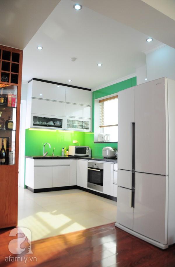 Thăm căn hộ có không gian bếp hoàn hảo tại Dịch Vọng – Hà Nội 7