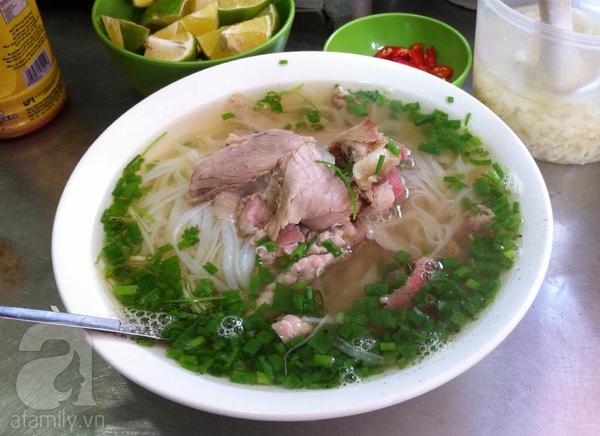 Khám phá 2 quán phở ngon trong khu phố cổ Hà Nội 2