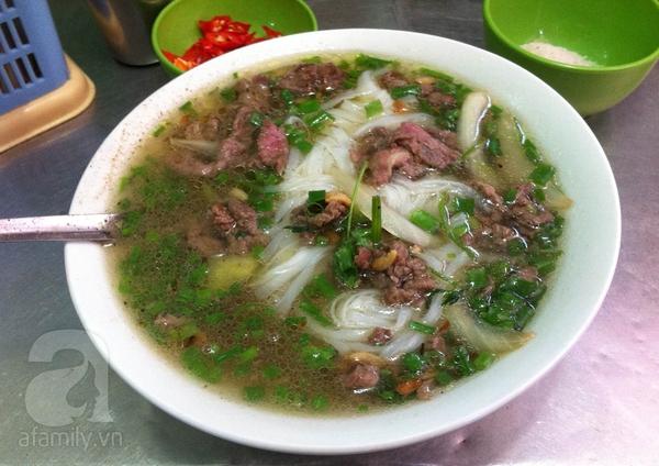 Khám phá 2 quán phở ngon trong khu phố cổ Hà Nội 4