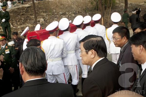 Đại tướng Võ Nguyên Giáp đã yên nghỉ trong lòng đất Mẹ 95