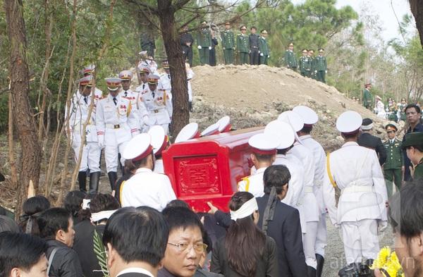 Đại tướng Võ Nguyên Giáp đã yên nghỉ trong lòng đất Mẹ 96