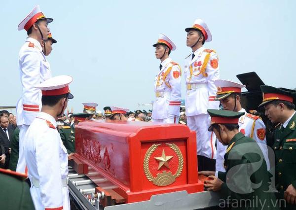 Đại tướng Võ Nguyên Giáp đã yên nghỉ trong lòng đất Mẹ 87