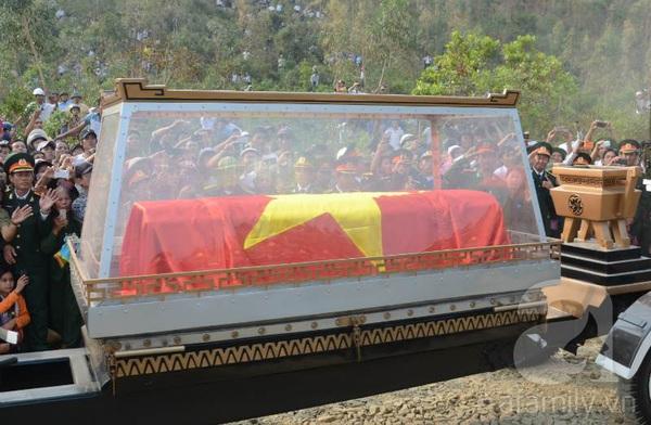 Đại tướng Võ Nguyên Giáp đã yên nghỉ trong lòng đất Mẹ 99