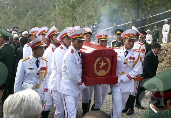 Đại tướng Võ Nguyên Giáp đã yên nghỉ trong lòng đất Mẹ 100