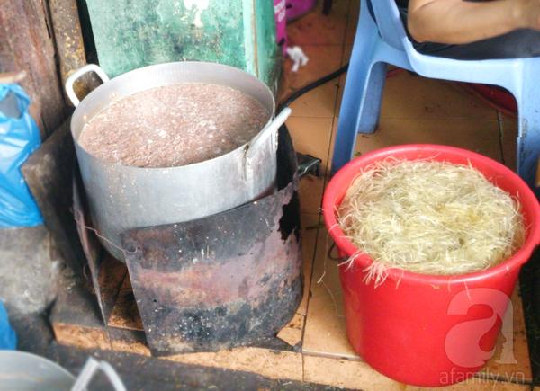 Hà Nội: Đi ăn miến cua trộn siêu đầy đặn ở phố Phùng Hưng 2