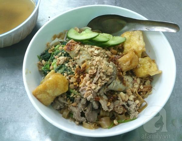 Hà Nội: Đi ăn miến cua trộn siêu đầy đặn ở phố Phùng Hưng 8