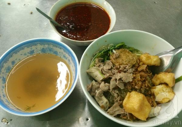 Hà Nội: Đi ăn miến cua trộn siêu đầy đặn ở phố Phùng Hưng 6