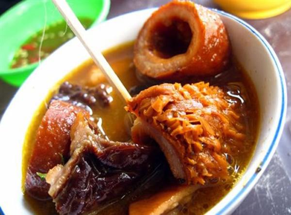 Những món ăn vỉa hè đặc trưng của Sài Gòn 4