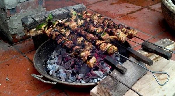 Thịt nướng lá móc mật của đồng bào dân tộc vùng cao 2