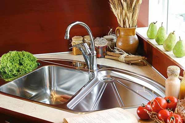 5 mẫu bồn rửa bát đẹp và tiện cho bếp chật 3