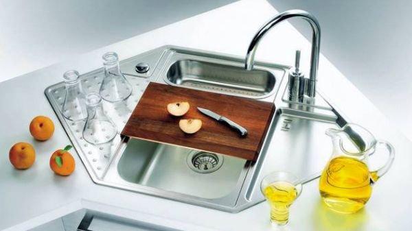 5 mẫu bồn rửa bát đẹp và tiện cho bếp chật 4