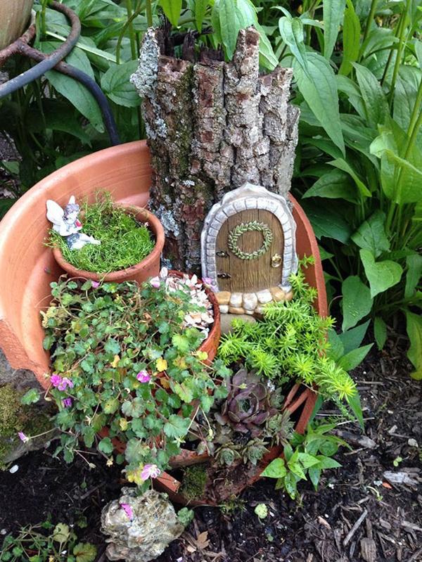 Sân vườn đẹp hơn nhờ những chậu hoa vỡ