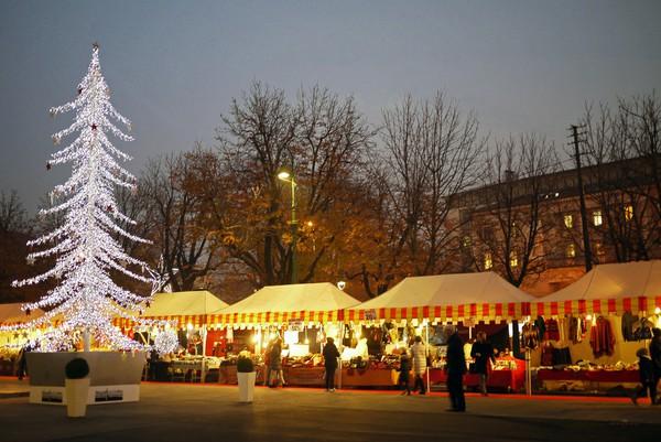 Những khu chợ Giáng sinh lung linh nhất thế giới 9