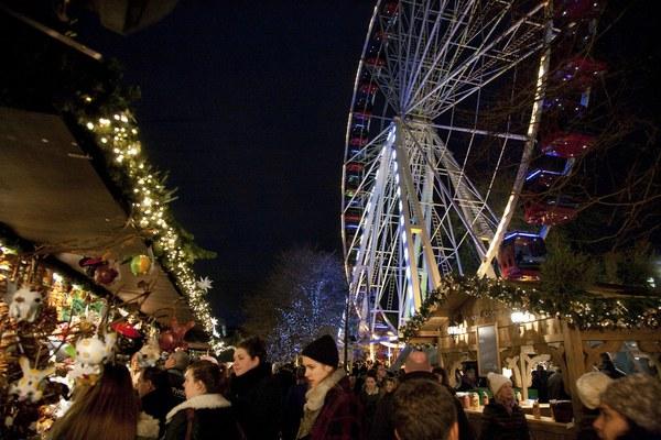 Những khu chợ Giáng sinh lung linh nhất thế giới 19